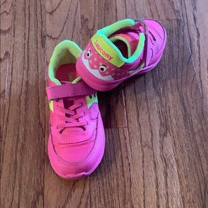 EUC saucony hot pink monster shoes 9.5toddler